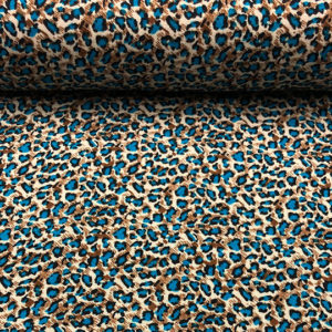 Tela con mucha caída de viscosa,ideal para verano, con estampado de animal print leopardo con el punto azul